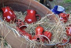 Keramikverkauf beim jährlichen Biohoffest.