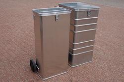 Verschiedene Größen von Sicherheitsbehältern sind verfügbar.
