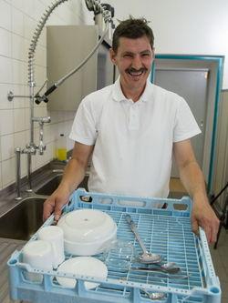 Gute Laune trotz viel Abwasch.